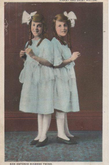 Violet and Daisy Hilton circa 1922